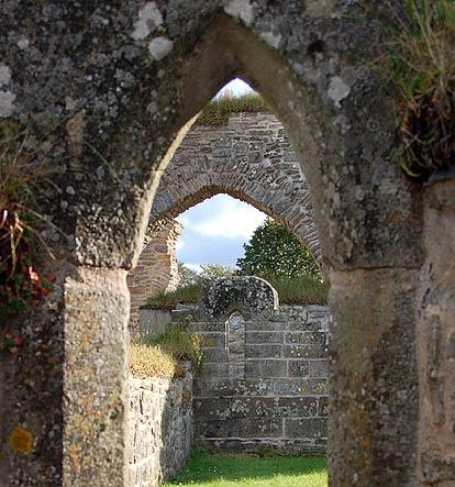 Katarina brinner sorg nar stenkyrkan forvandlades till ruin